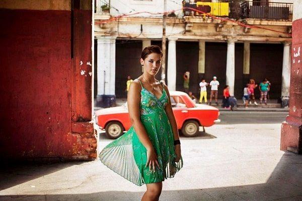 How do Cuban women live