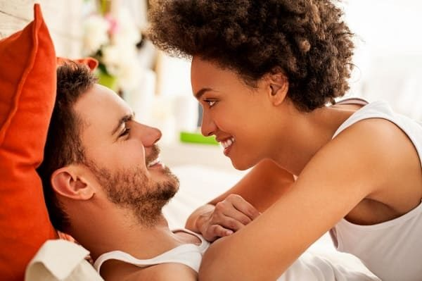 Top 7 signs a woman loves you