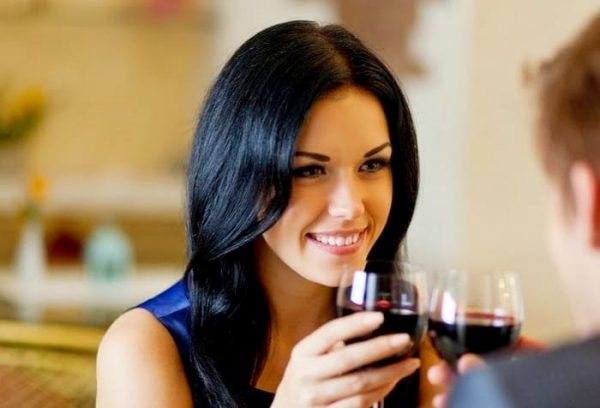 What women are really thinking before going on a date!
