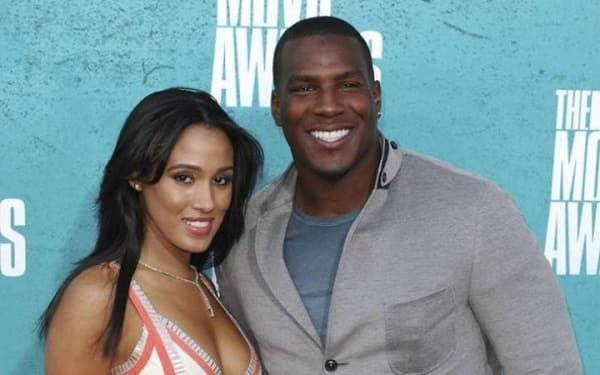 TOP-10 hottest NFL wives 2018!