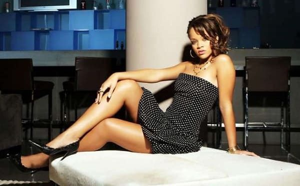 TOP-10 hot celebrity women with long and sexy legs!