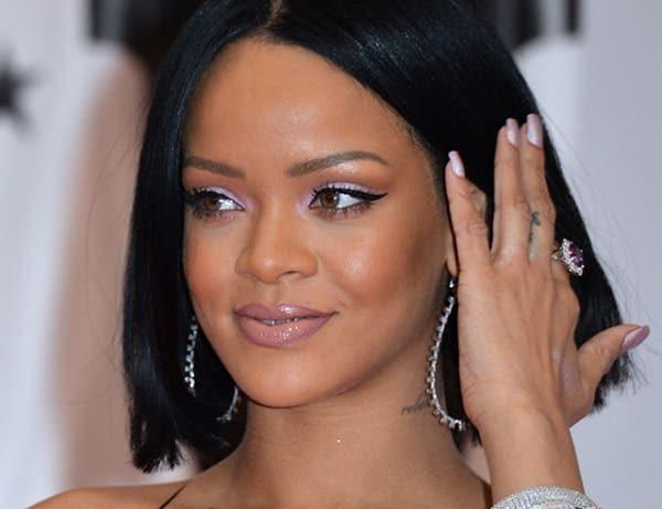 The sexiest single female celebrities: TOP-10