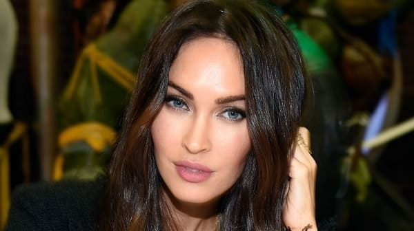 TOP-15 sexiest women celebs with nice blue eyes!