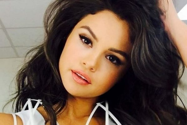 TOP-10 most popular female celebs on Instagram