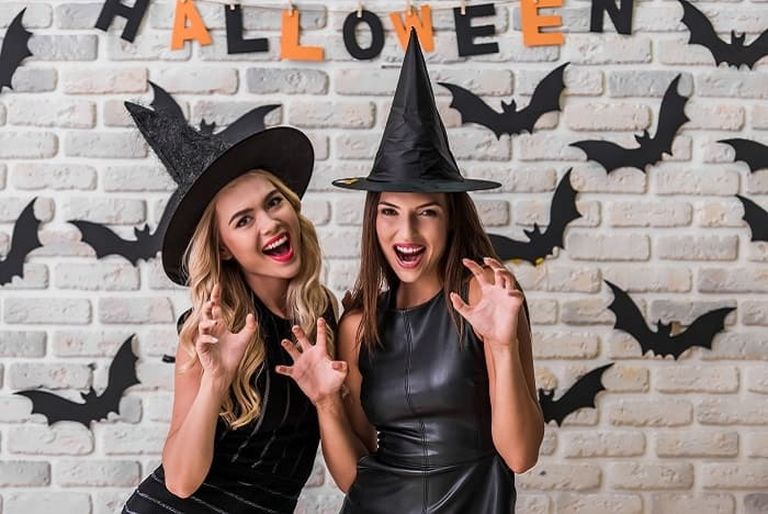 The craziest female celebs Halloween parties 2018!
