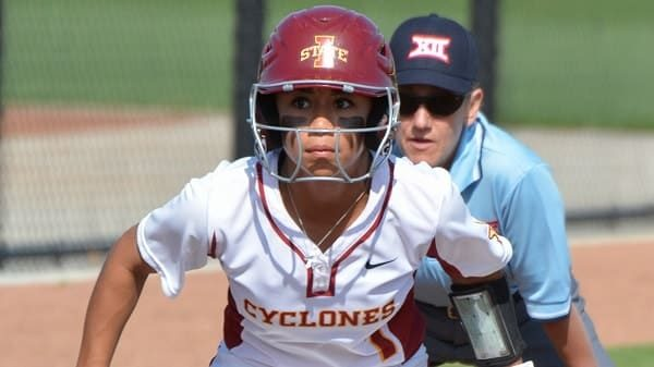 TOP-10 the most attractive female baseball players
