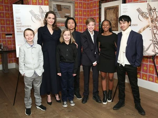 Angelina Jolie's children watch her nutrition