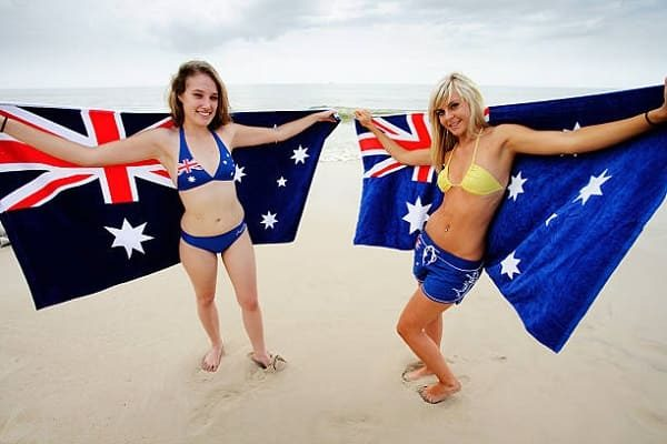 Dating an Australian girl : 6 pros and 4 cons
