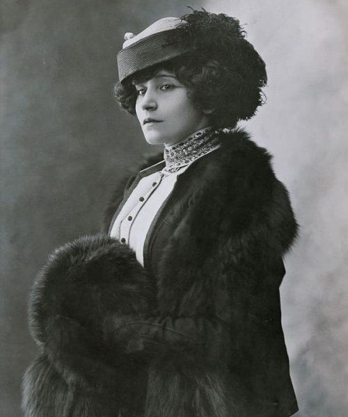 TOP-6 scandalous women in world history