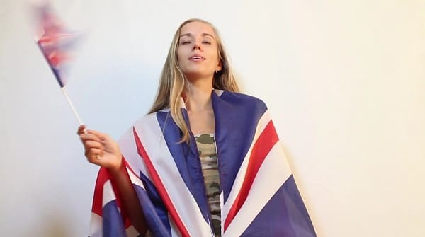 American Women VS British Women: 5 Weird Differences