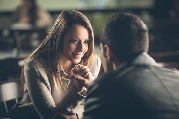 dating a beautiful woman