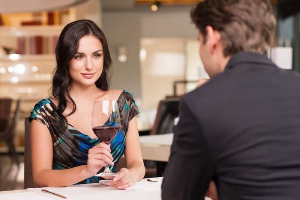 10 Easy Ways To Start Dating A Beautiful Woman